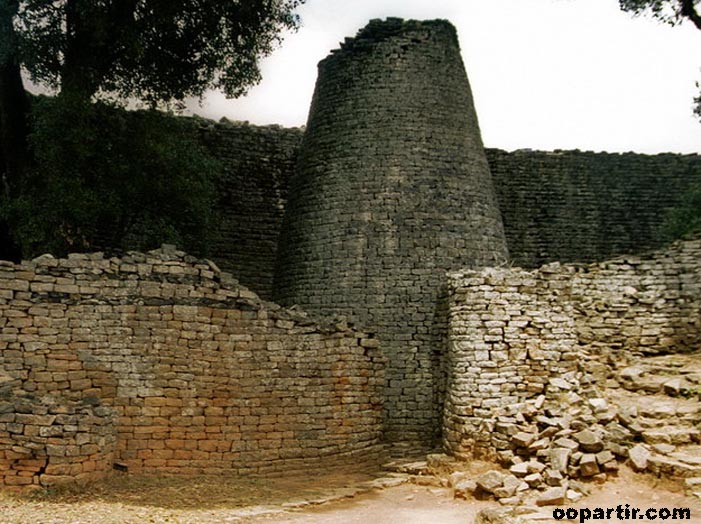 Great Zimbabwe © Jean-Louis Delbende